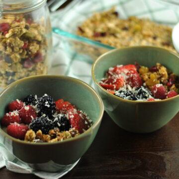 Quinoa Oat Nut and Fruit Granola
