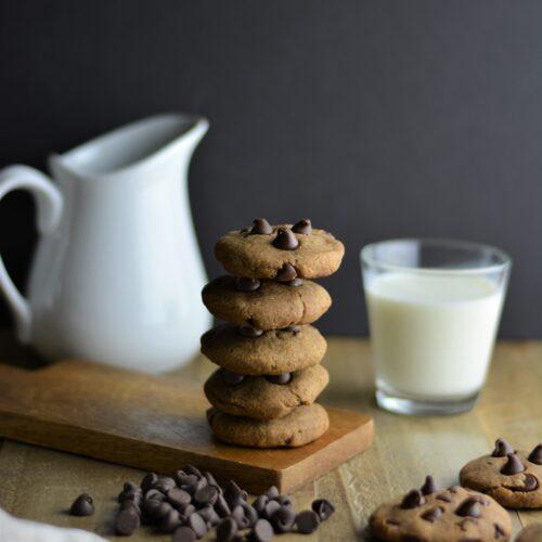Vegan Refined sugar-free chocolate chip cookies