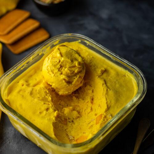 Alphonso mango cheesecake ice cream