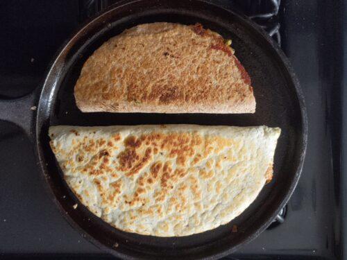 Cook samosadillas until crispy and toasted